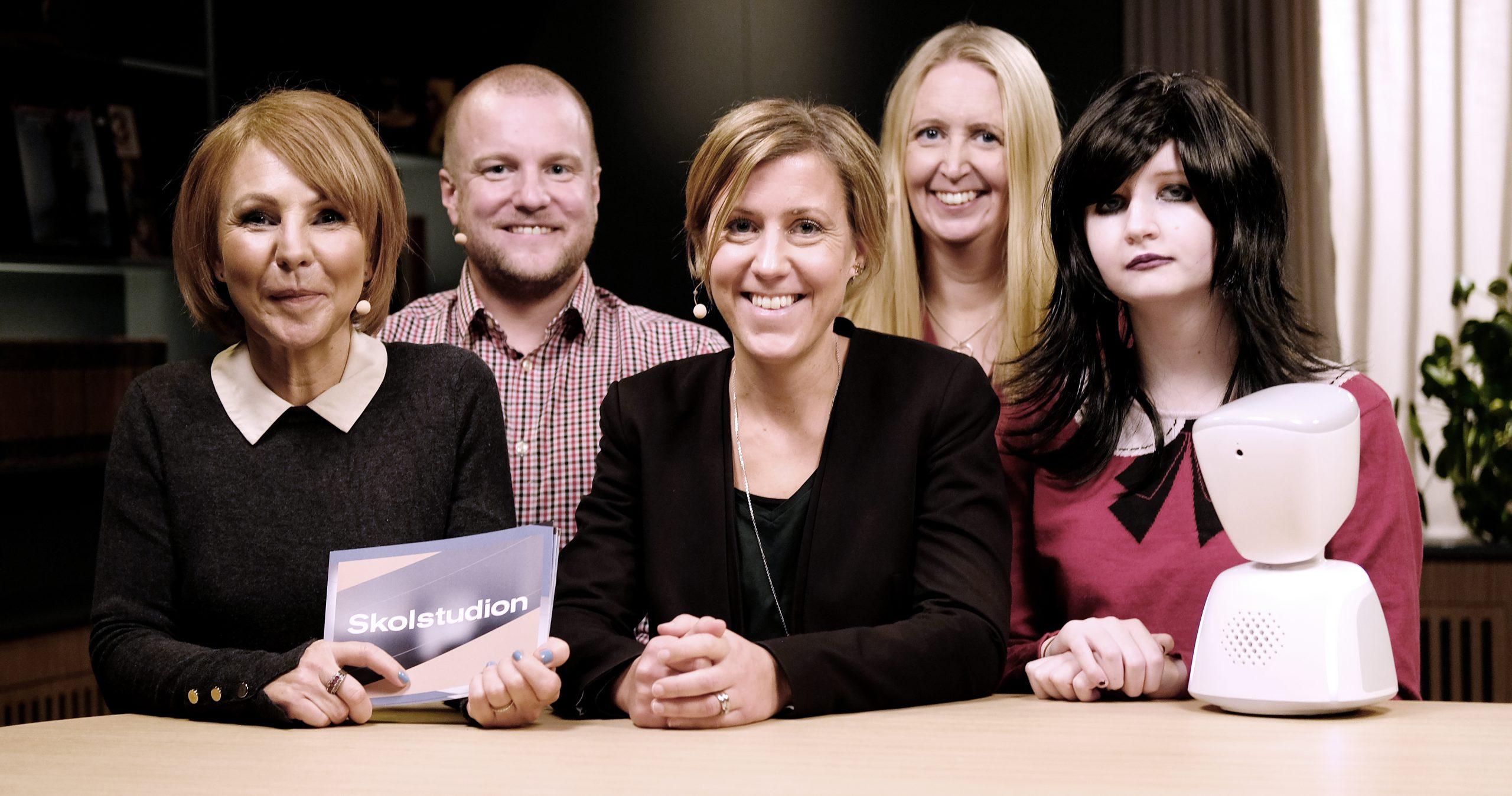 Jenny Reichwald med gästerna Emma Dahl, Axel Havelius, Annelie Karlsson och Idun.