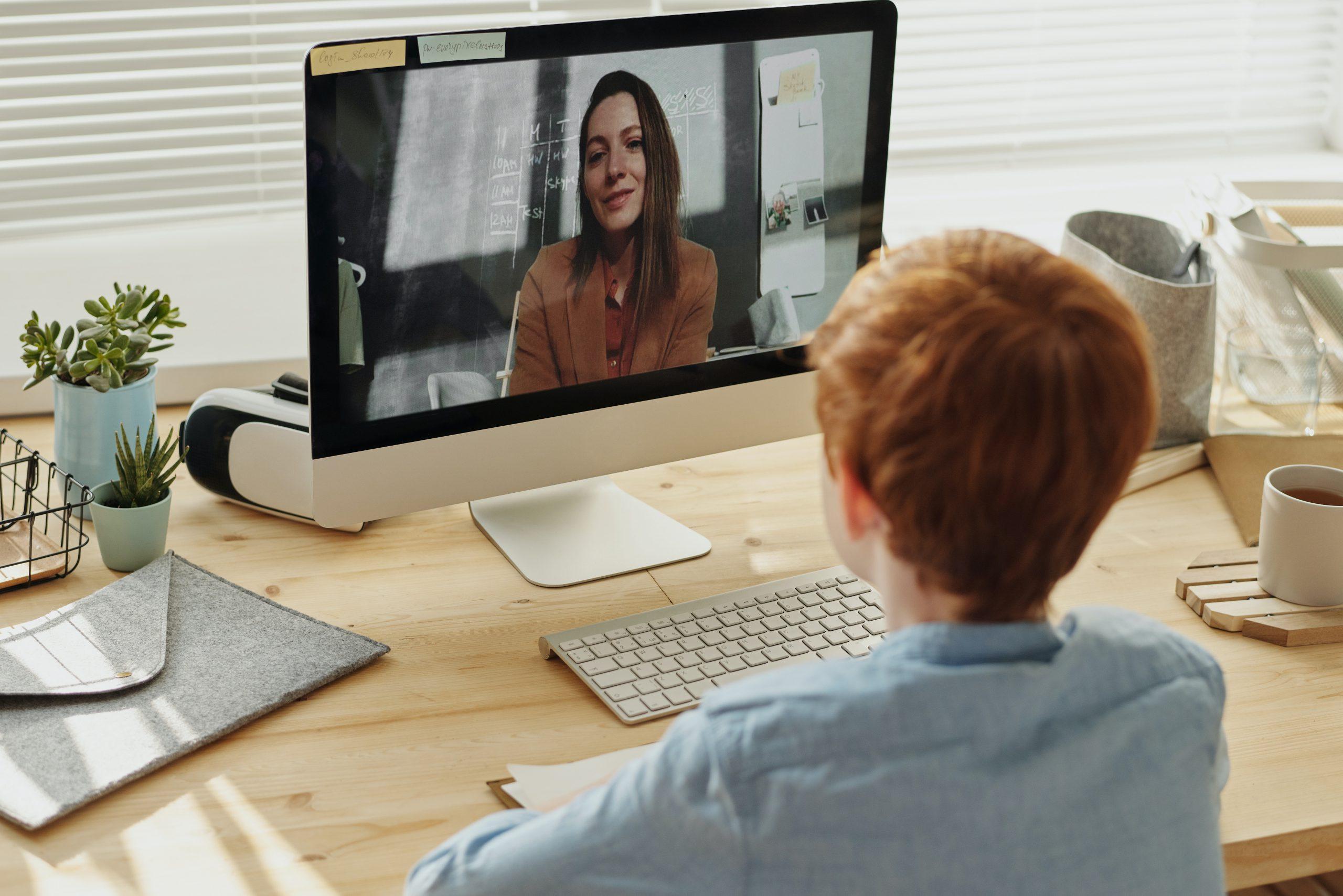 IKT-strategerna i Lund ger hjälp till självhjälp under övergången till nätbaserad undervisning