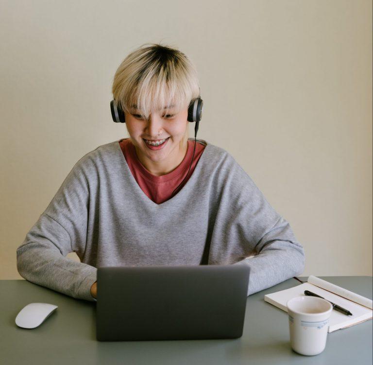 elev ler framför laptop